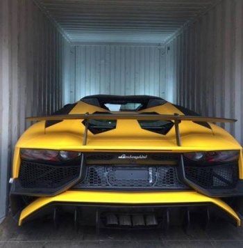 """Lamborghini Aventador SV """"mui trần"""" đầu tiên về Hà Nội"""