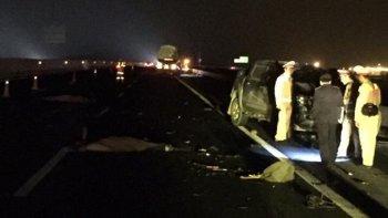 Nguyên nhân 2 người thiệt mạng khi dừng xe thay lốp trên đường cao tốc Hà Nội – Hải Phòng