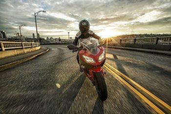 Kawasaki Ninja 300 2017 lên kệ, giá khởi điểm gần 5.000 USD