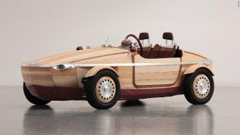 Toyota sản xuất ôtô gỗ