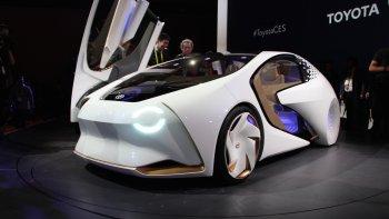 """CES 2017: Toyota tham vọng với xe """"không thể gây tai nạn"""""""