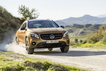Mercedes-Benz GLA 2018 có giá từ 30.504 USD