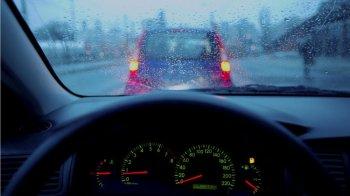 Bảo vệ xe trong điều kiện mưa phùn