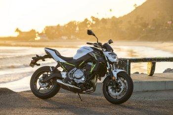 Kawasaki Z650 và Z900 tại Việt Nam giá từ 218 triệu đồng