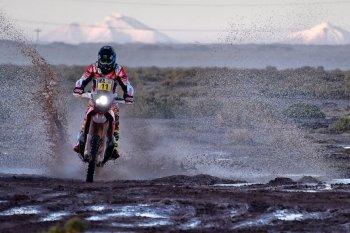 "Dakar Rally 2017 chặng 8: Barreda ""giật"" chiến thắng thứ 2"