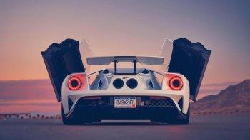 Tận mắt xem siêu xe Ford GT biến hình ở chế độ Race