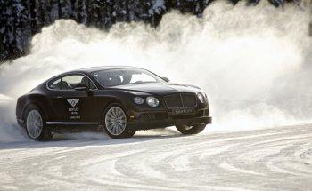 Thử cảm giác lái xe Bentley trên băng