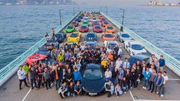 50 siêu xe McLaren nối đuôi tắc đường Hong Kong