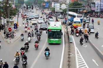 """Lập """"hàng rào"""" cho xe bus nhanh"""