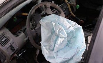 13 hãng ôtô đồng loạt triệu hồi xe lỗi túi khí