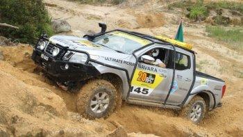 Bán tải Nissan Navara là chiếc bán tải tốt nhất tại Rainforest Challenge Malaysia
