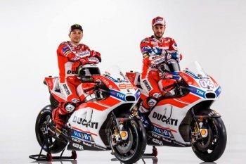Nhà vô địch thế giới MotoGP 2016 Lorenzo ra mắt Ducati Team