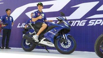 Maverick Vinales là đại sứ hình ảnh của Yamaha YZF-R15 2017