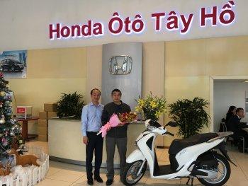 Hàng chục khách hàng trúng thưởng xe Honda chơi Tết