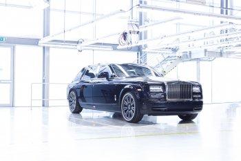 """Rolls-Royce dừng sản xuất chiếc Phantom """"biển xanh"""" cuối cùng"""