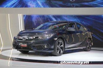 """Honda Civic 2016 """"sống sót"""" như nào sau hàng loạt va chạm?"""