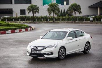 Honda Accord 2016  Giữ vững phong thái