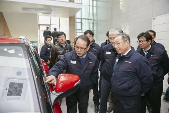 Hàn Quốc phát triển cửa sổ cảm ứng đầu tiên trên thế giới