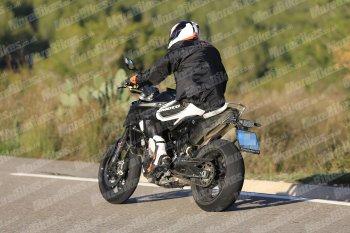 Xuất hiện ảnh thử nghiệm thực tế KTM Duke 790