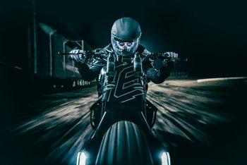 """Kawasaki Vulcan Tracker - """"Bom tấn"""" mới của lò độ ICON 1000"""