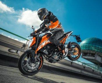KTM Duke 200 2017 chính thức ra mắt, giá tương đương 49 triệu đồng