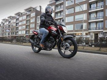 Yamaha YS125 2017: Xe côn tay cho người mới bắt đầu