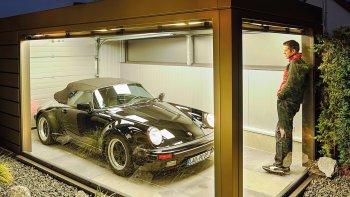 Xây gara kiểu hộp trưng bày cho Porsche 911 Speedster
