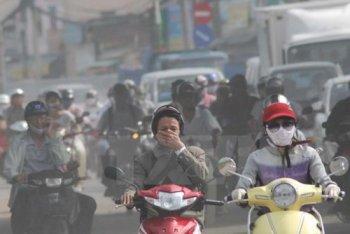 Ô nhiễm khí thải khiến bệnh đường hô hấp thêm nguy hại