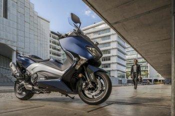 Xe tay ga Yamaha TMAX 2017 thêm nhiều phụ kiện và ứng dụng mới