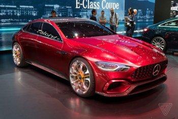 "Mercedes-AMG GT Concept vươn tầm một mẫu ""siêu sedan"""