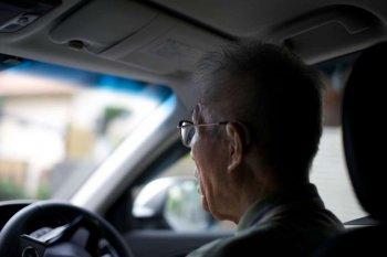Người cao tuổi được giảm giá dịch vụ tang lễ nếu bỏ lái xe
