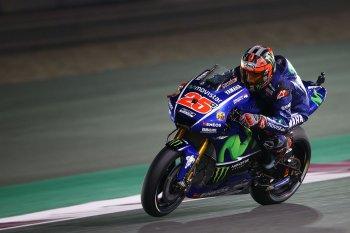 MotoGP 2017: Viñales tỏa sáng đêm khai mạc