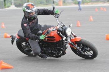 Khám phá kỹ năng lái môtô PKL theo chuẩn quốc tế tại trường đua Đại Nam