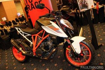 KTM Super Adventure S và Super Duke R, giá từ 593 triệu đồng