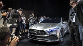 Ảnh thực tế Concept A Sedan mới trình làng của Mercedes-Benz