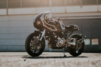 Ducati Monster S2R độ Café Racer phong cách Steampunk cực chơi