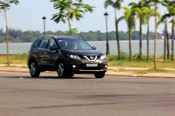 Nissan X-Trail 2017 – bất ngờ crossover sở hữu công nghệ xứng tầm giá