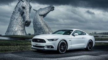 Ford bán ra hơn 150.000 xe Mustang năm 2016