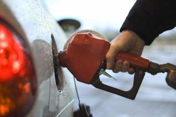 Giá xăng giảm 309 đồng/lít