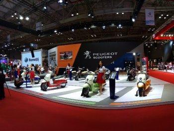 """VMCS 2017: Xe ga Peugeot """"thanh tịnh"""" giữa triển lãm"""