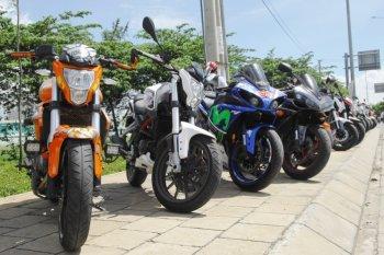 """""""Bí quyết"""" chăm xe của hàng nghìn biker Benelli Vietnam Team"""