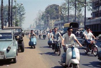 Dân Sài Gòn xưa đam mê xe thế nào