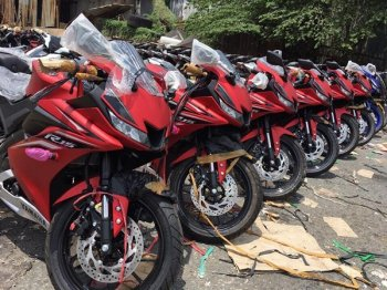 Lô hàng Yamaha R15 V3.0 2017 đầu tiên về Việt Nam