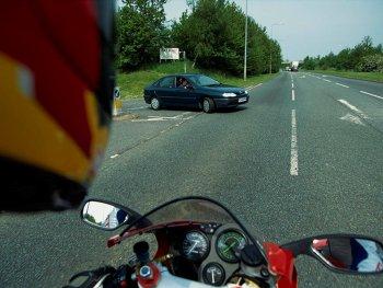 Zona ra mắt camera chiếu hậu M100 cho mô tô