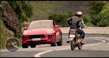 Việt Nam đẹp mềm tim với clip Tây lái Porsche Macan GTS xuyên Việt