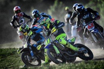 MotoGP: Rossi nhập viện sau tai nạn motocross
