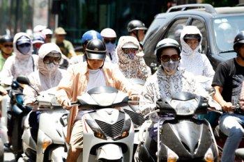 Hạ nhiệt cho xe máy khi di chuyển trong thời tiết nắng nóng