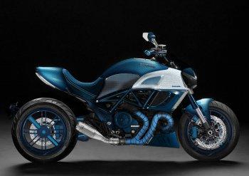 Ducati Diavel sơn màu xanh cực hiếm