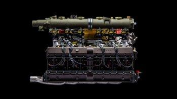 Quá trình tân trang động cơ Flat-12 trên xe Porsche 917