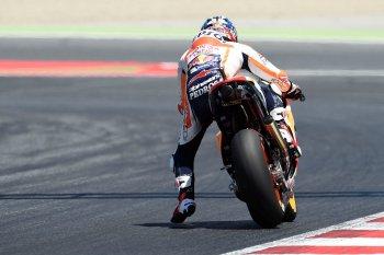 MotoGP 2017: Pedrosa bất ngờ cướp pole Catalan từ tay Lorenzo